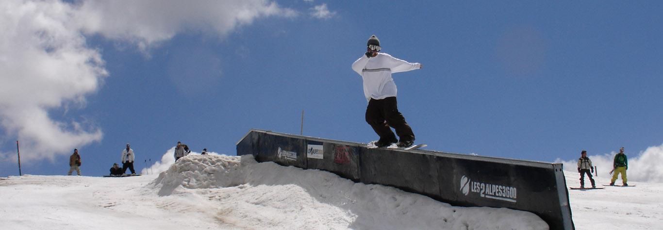 SLIDE snowboard